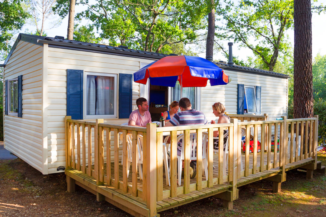 Select Plus Mobile home 3 bedroom a/c sleeps 6