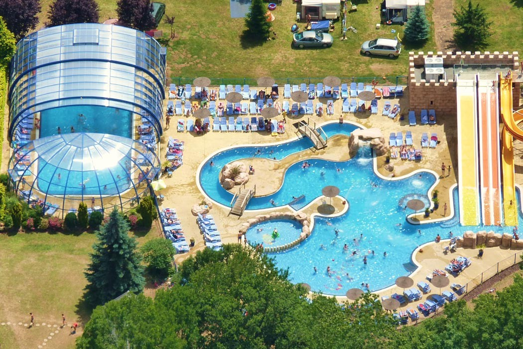 Camping la ribeyre camping 4 etoiles en auvergne - Piscine interieure montreal clermont ferrand ...